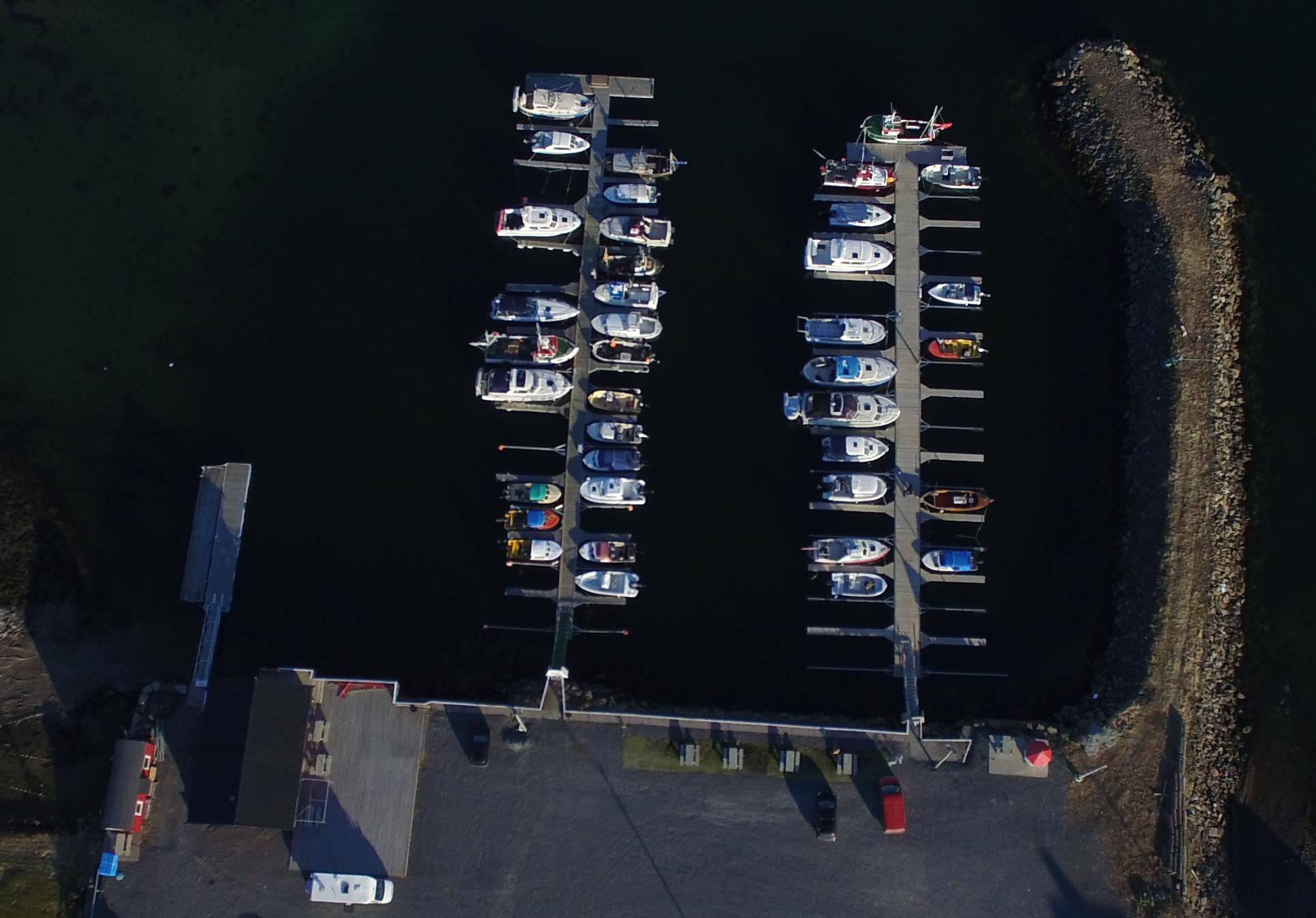 Flyfoto av båtbrygge
